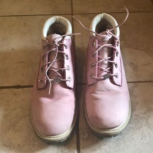 Timberland size 9 pink short boots